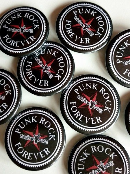 Placka Punk Rock Forever černá 32 mm - zakázanÝovoce